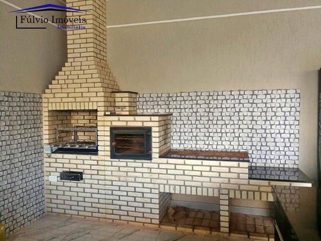 Maravilhosa casa moderna, completa em armários, ar condicionado, 05 quartos, 04 com suítes - Foto 19