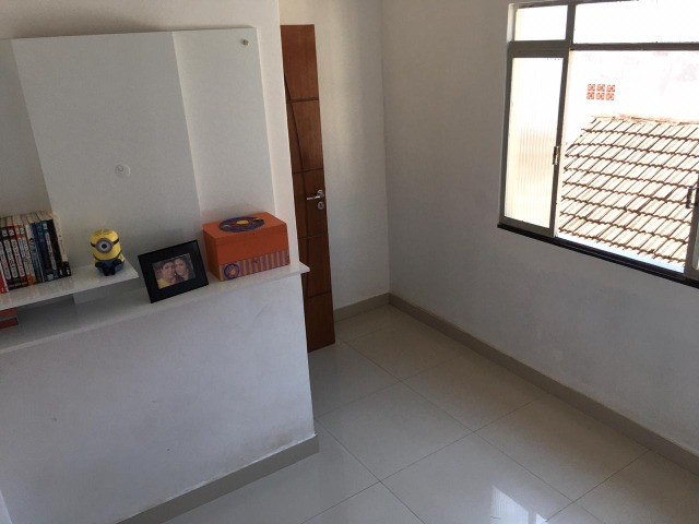 Vendo casa grande com varanda e Terraço - Foto 6