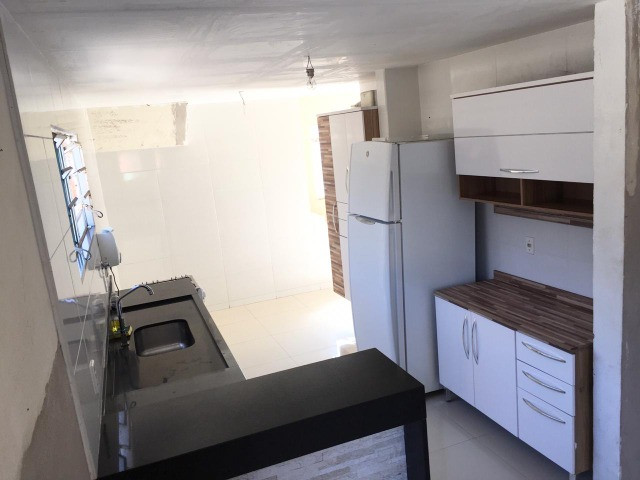 Vendo casa grande com varanda e Terraço - Foto 9