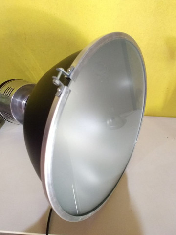 Luminária industrial pendente com vidro fosco - Foto 2