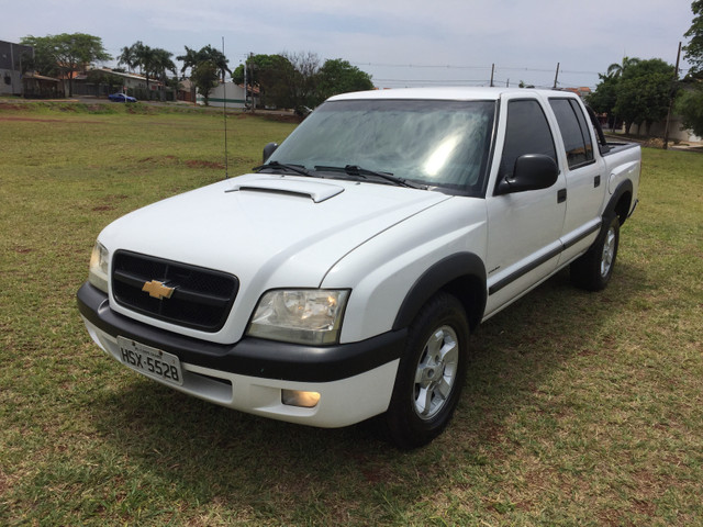 Vendo Gm S10 2.8 turbo diesel 05/06 - Foto 2