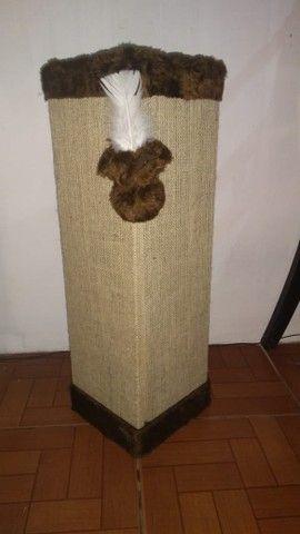 Cantoneira sofá com tela dupla, bordas chocolate