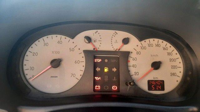 VENDE-SE CLIO ANO 2004 COMPLETO - Foto 7