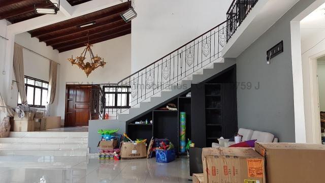 Imóvel com dupla aptidão, construção ampla, possuindo uma área total construída de 450 m² - Foto 4