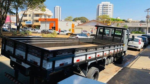 Caminhão Cargo 712 2007 - Foto 4
