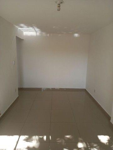 Excelente apartamento reformado em Realengo no Cond. Limites - Foto 5