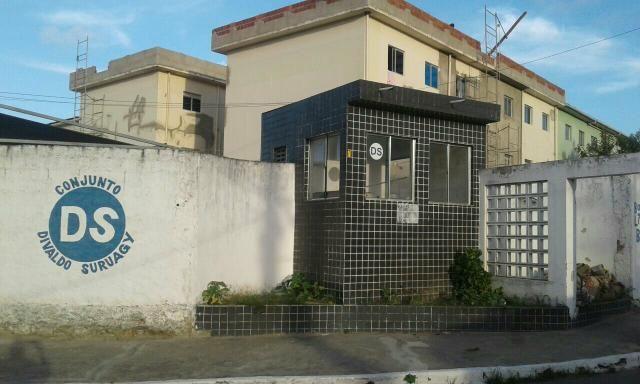 Alugo apartamento Divaldo Suruagy