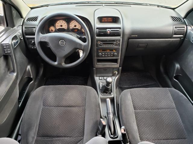 Astra hatch Advantage 2.0 manual - muito novo com GNV - Foto 17