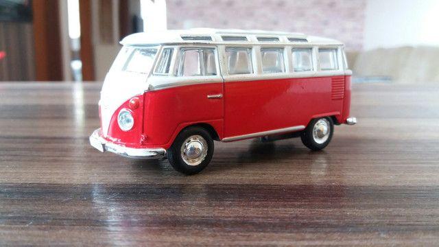 Dodge e Kombi miniaturas