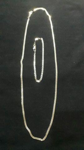 cordão e pulseira laminado e banhado a prata com a númeração 950