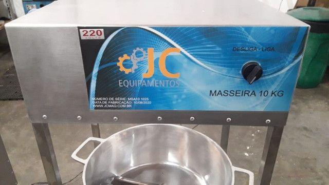 Masseira a gas para massa de salgado