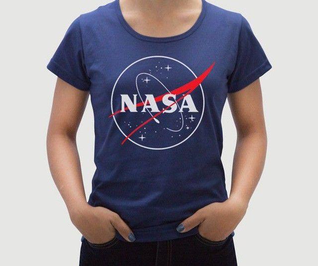 Camiseta Feminina NASA - Tamanho P - M