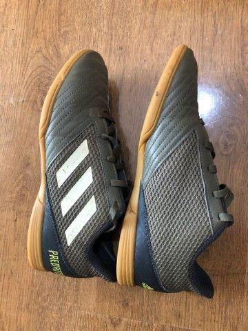 Chuteira Futsal Adidas Predator número 34 - Foto 2
