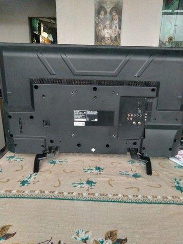 Vende-se duas TVs somente para retirada de peças  - Foto 2