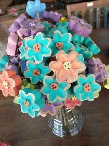 Flores em madeira tamanho P - Foto 3