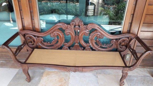 Cadeira e Banco entalhada a mão de jacarandá - Foto 3