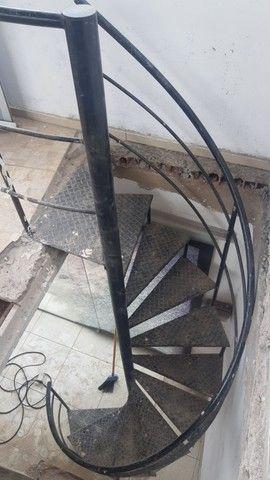 Escada caracol desapegando  - Foto 2