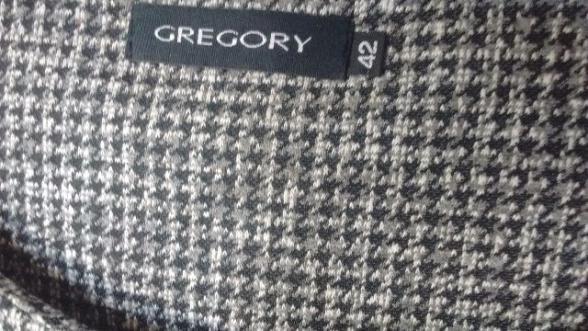 Vestidos a partir R95: Gregory; e Luis J