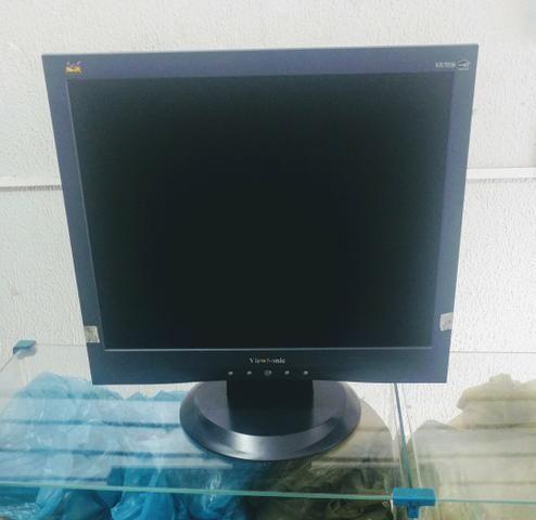 Monitor LCD fullscreen Viewsonic 17 polegadas novo. (NÃO TEM FUNÇÃO TV)