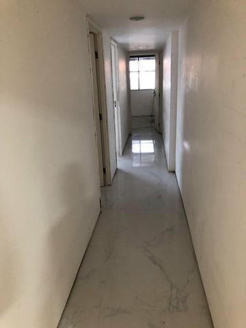 Apartamento na Beira Mar de Piedade com 4 Quartos sendo 1 Suíte - Foto 14