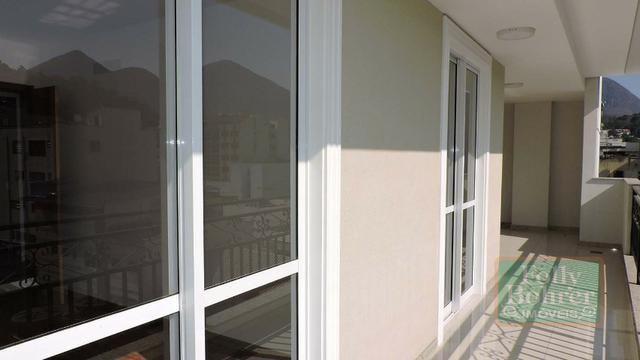 Apartamento novo no Centro com 3 quartos, varanda, 2 vagas de garagem - Foto 12