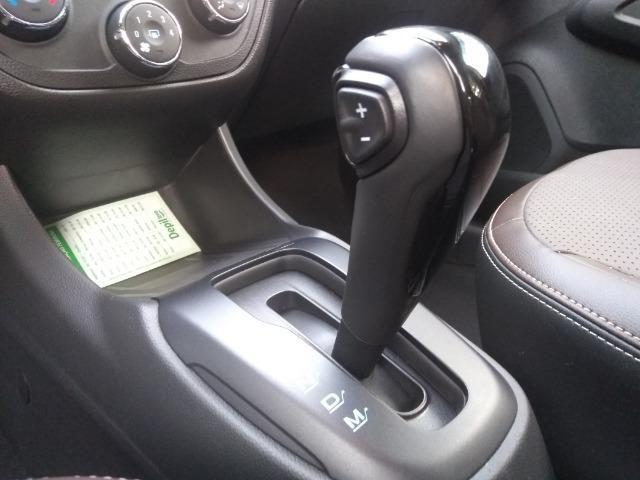 GM - Chevrolet Cobalt 1.8 Elite com 3.400 km rodados Novo 2018 - Foto 10