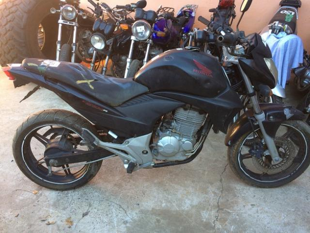 Sucata - Honda CB 300R - 2011