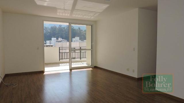 Apartamento novo no Centro com 3 quartos, varanda, 2 vagas de garagem - Foto 2