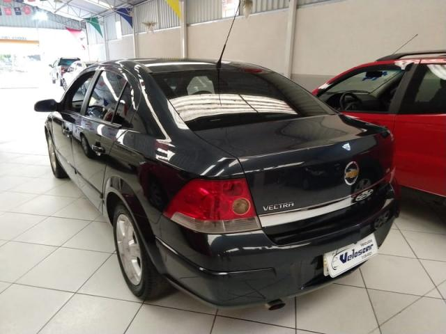 CHEVROLET VECTRA ELEGANCE 2.0 8v(FLEXPOWER) 4p  - Foto 4