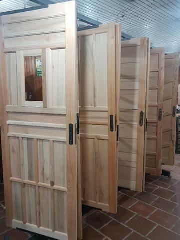 Aberturas Canelense - Portas Madeira de Vários Modelos - Foto 3