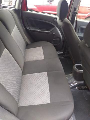 Fiesta Hatch 2014, 1.0, completo, só transferir, pego moto ou carro na troca! - Foto 4