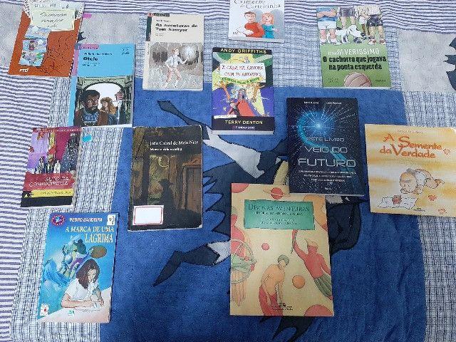 Livros Juvenis e Infantis( preço de cada livro é individual e esta na Descrição) - Foto 2