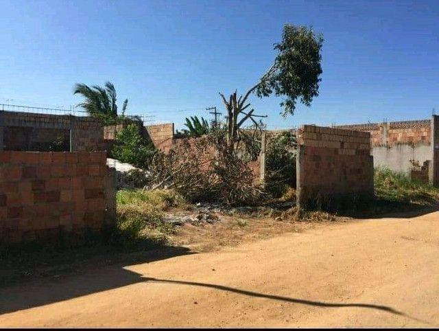 Vende-se Terreno Ótima Localização - Foto 2