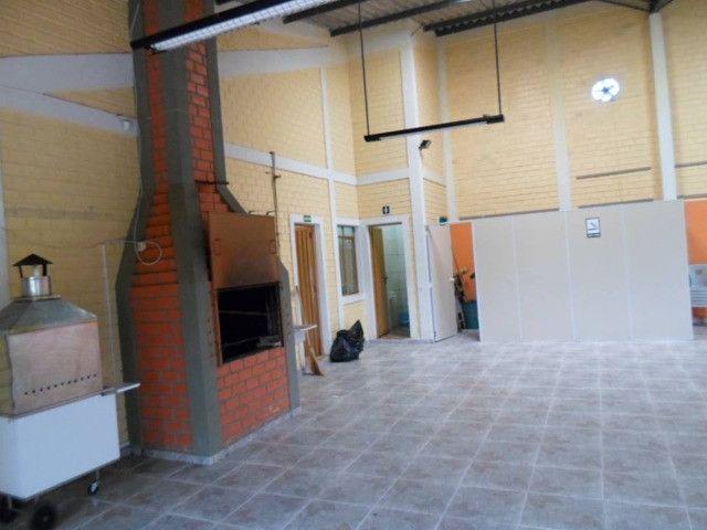 Salao com 280 Metros Contendo cadeiras mesas churrasqueira,cozinha - Foto 16
