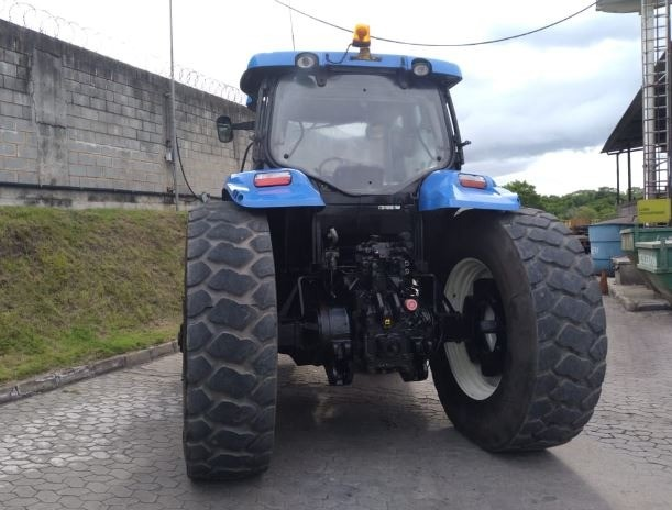 Trator New Holland T7240 - Foto 4