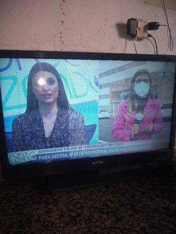TV CCE com listra na tela