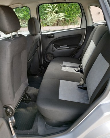 Fiesta Hatch 1.6 Flex completo - Foto 5