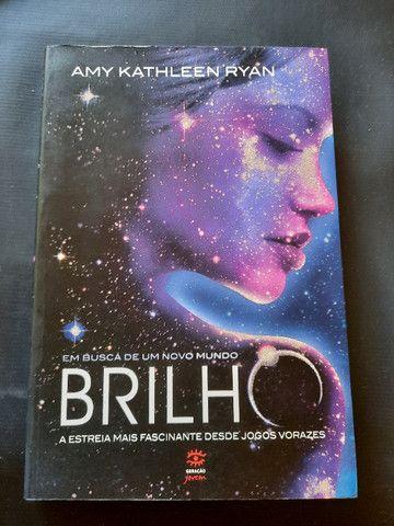 Brilho, Amy Kathleen Ryan