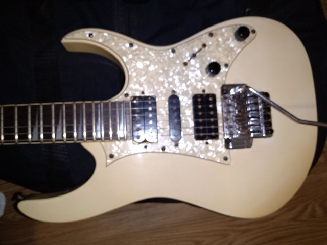 Guitarra Ibanez rg350 Korea 1999 troco por videogame  - Foto 5