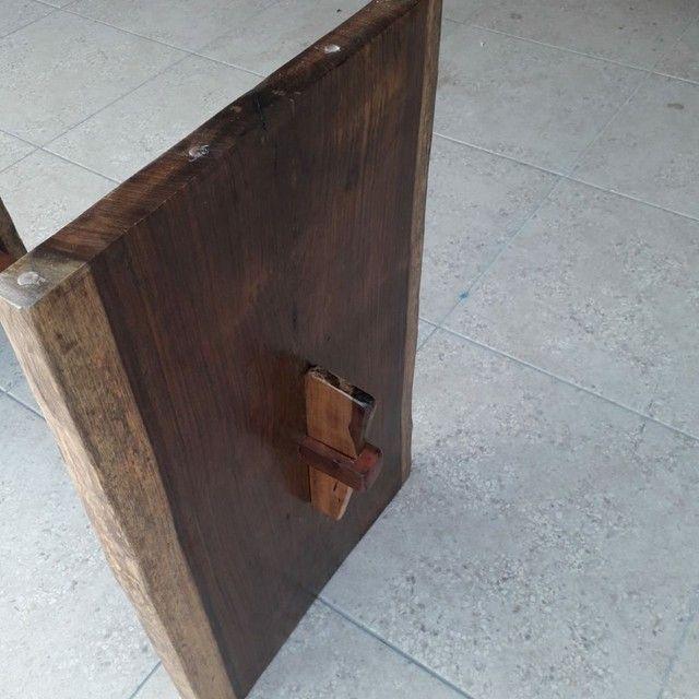 Mesa de madeira Jacarandá com tampo de vidro blindex - Foto 4