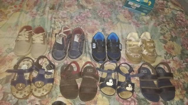 Sapatos e Sandálias Para Menino