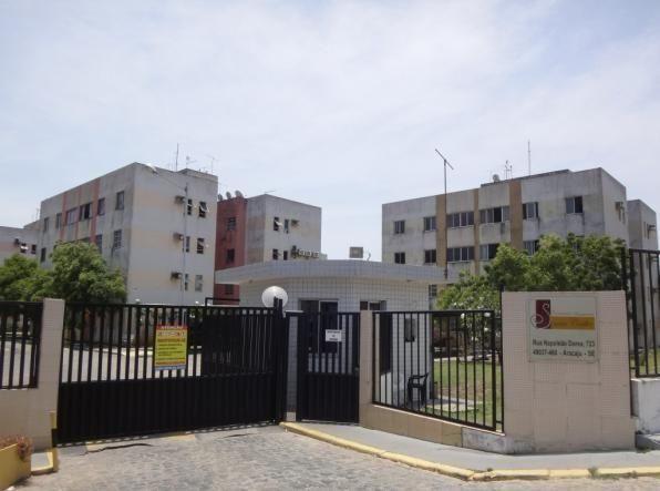 Apartamento no Condomínio Santa Cecília, próximo da Orla de Atalaia