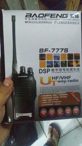 Promoção 2 pares de rádio comunicadores