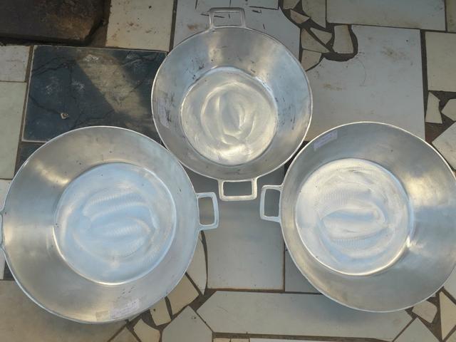 Tachos de alumínio batido com tampa - Foto 2