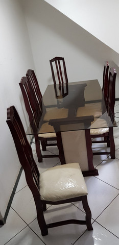 Mesa de jantar com 6 cadeiras! - Foto 3