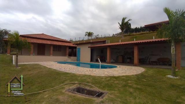 Chácara aconchegante em Pinhalzinho, interior de São Paulo.
