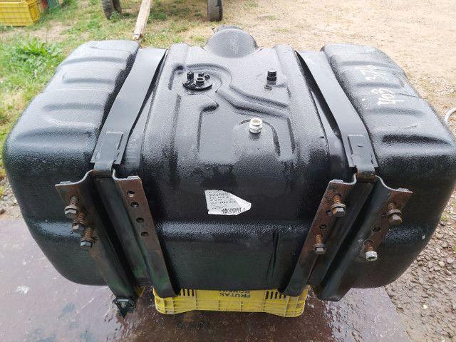 Tanque de 300 litros VW e MB - Foto 3