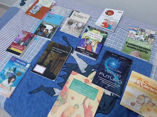 Livros Juvenis e Infantis( preço de cada livro é individual e esta na Descrição) - Foto 3