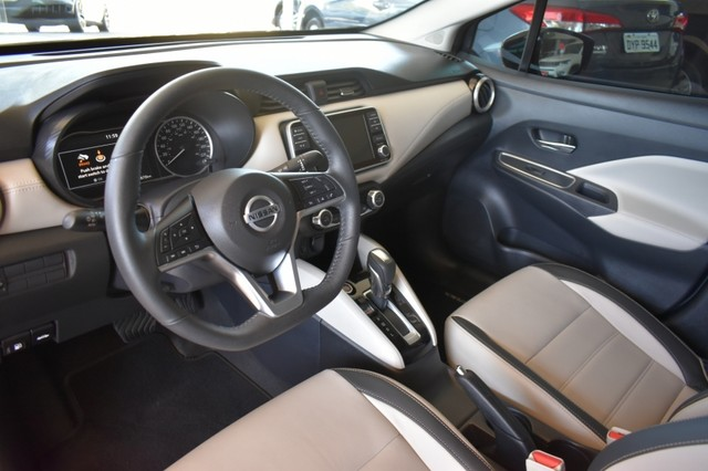 Nissan VERSA EXCLUSIVE 4P - Foto 8