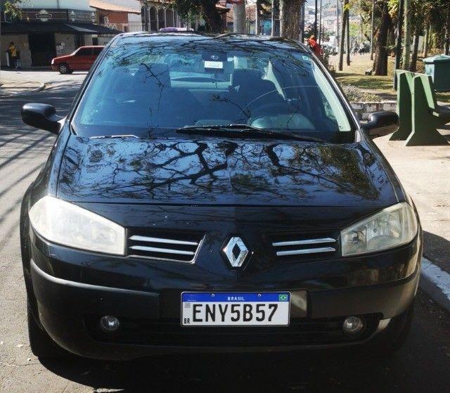 Renault Megane  preto sedan em ótimo estado  - Foto 2